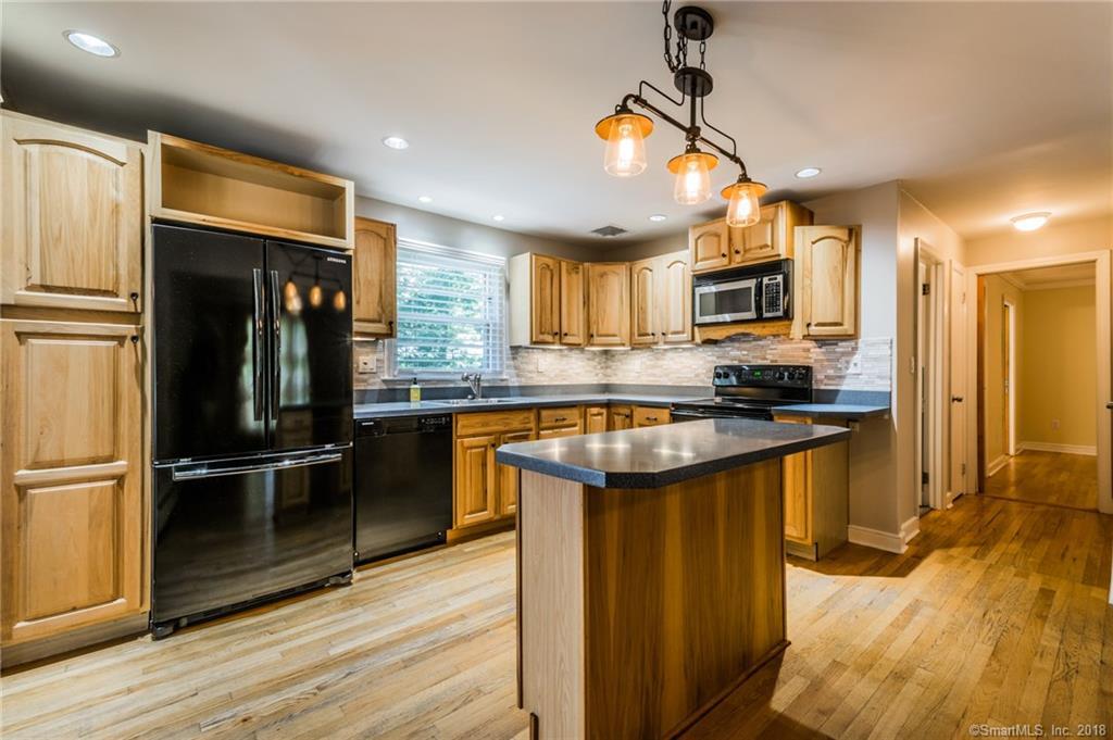 480 newtown avenue norwalk connecticut 06851 460 000 for sale