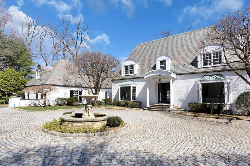 31 Khakum Wood Road, Greenwich, Connecticut, 06831, $4,495,000, Property For Sale, Halstead Real Estate, Photo 3