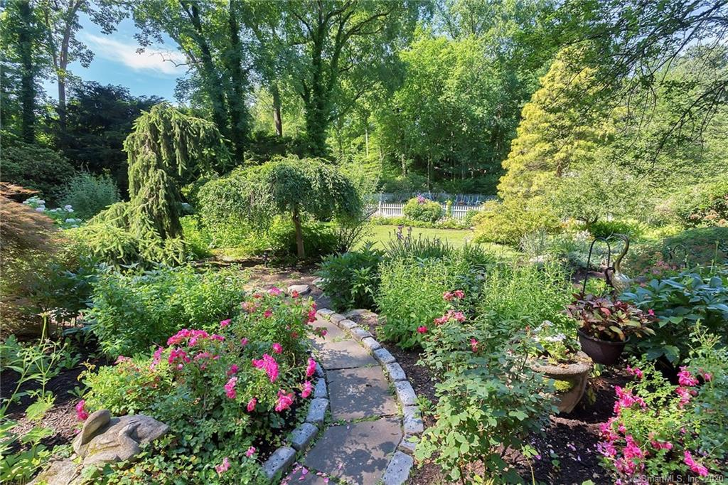 54 Round Hill Road, Greenwich, Connecticut, 06831, $1,999,000, Property For Sale, Halstead Real Estate, Photo 21