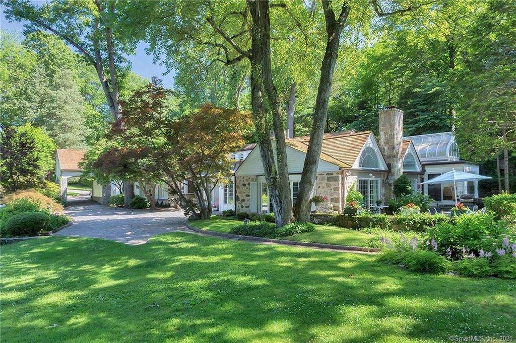 54 Round Hill Road, Greenwich, Connecticut, 06831, $1,999,000, Property For Sale, Halstead Real Estate, Photo 3