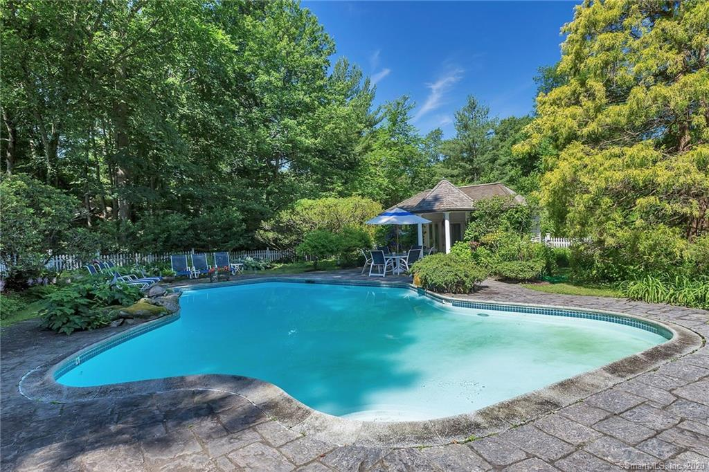 54 Round Hill Road, Greenwich, Connecticut, 06831, $1,999,000, Property For Sale, Halstead Real Estate, Photo 6