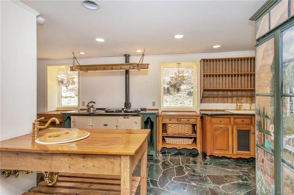 54 Round Hill Road, Greenwich, Connecticut, 06831, $1,999,000, Property For Sale, Halstead Real Estate, Photo 9