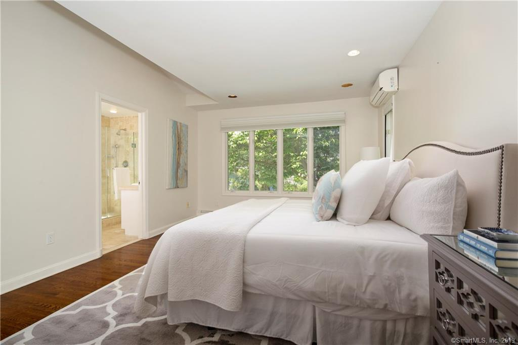 25 Linwood Avenue, Riverside, Connecticut, 06878, $1,575,000, Property For Sale, Halstead Real Estate, Photo 12