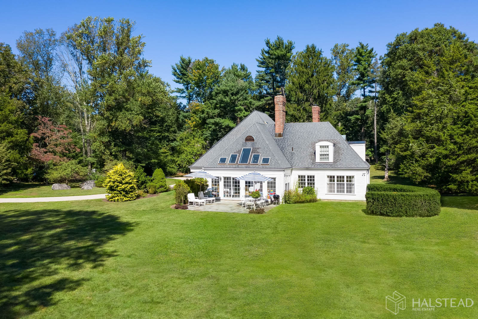 860 Hollow Tree Ridge Road, Darien, Connecticut, 06820, $1,675,000, Property For Sale, Halstead Real Estate, Photo 2