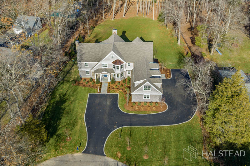 41 Holly Lane, Darien, Connecticut, 06820, $3,495,000, Property For Sale, Halstead Real Estate, Photo 2