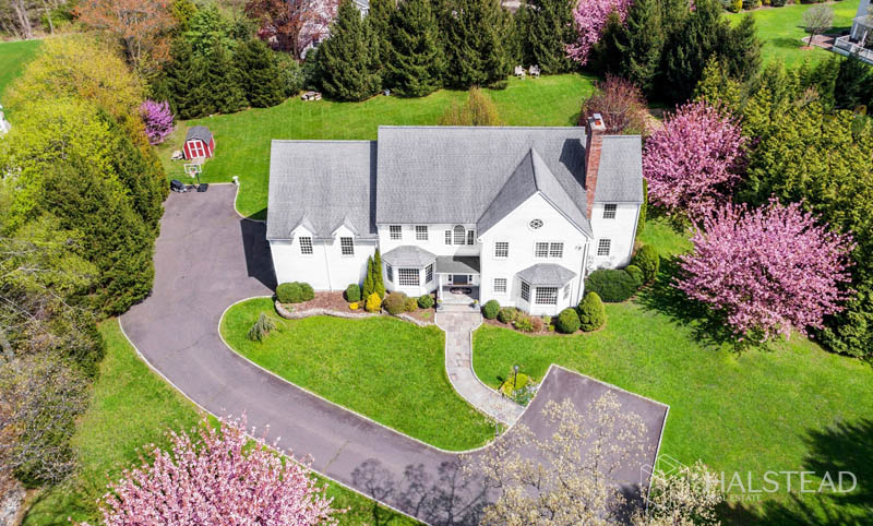 244 Hollow Tree Ridge Road, Darien, Connecticut, 06820, $1,795,000, Property For Sale, Halstead Real Estate, Photo 2