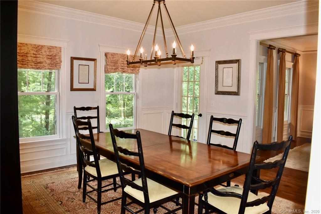 37 Point O Woods Road South, Darien, Connecticut, $1,675,000, Web #: 170329432