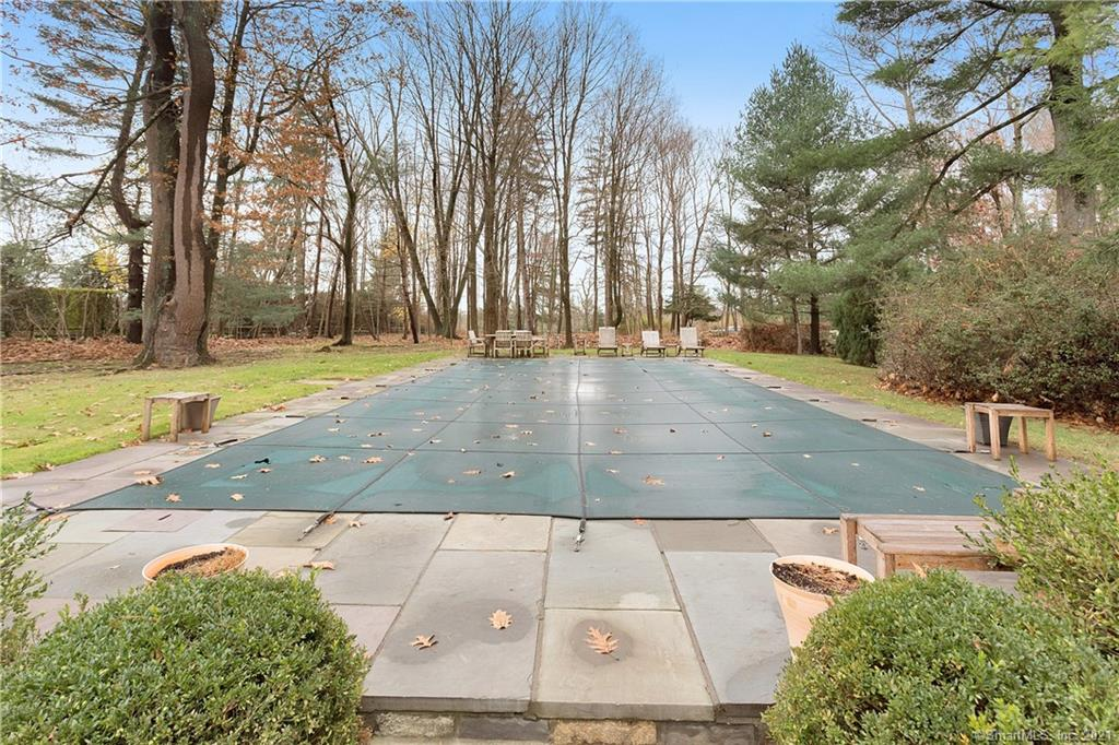 207 Round Hill Road, Greenwich, Connecticut, $2,500,000, Web #: 170356771