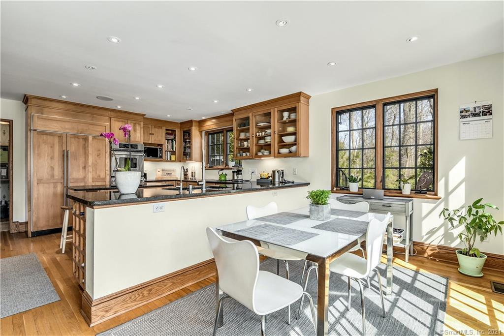 29 Outlook Drive, Darien, Connecticut, $2,395,000, Web #: 170383430