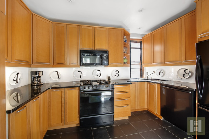119 West 71st Street 9C, Upper West Side, NYC, $1,395,000, Web #: 17080277