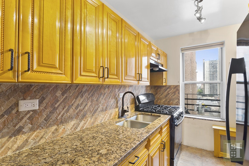 800 Grand Concourse 4sn, Concourse, New York, 10451, $399,000, Sold Property, Halstead Real Estate, Photo 3