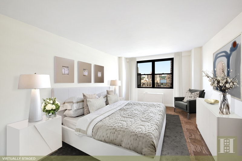 165 West 66th Street 16E, Upper West Side, NYC, $924,000, Web #: 17330613