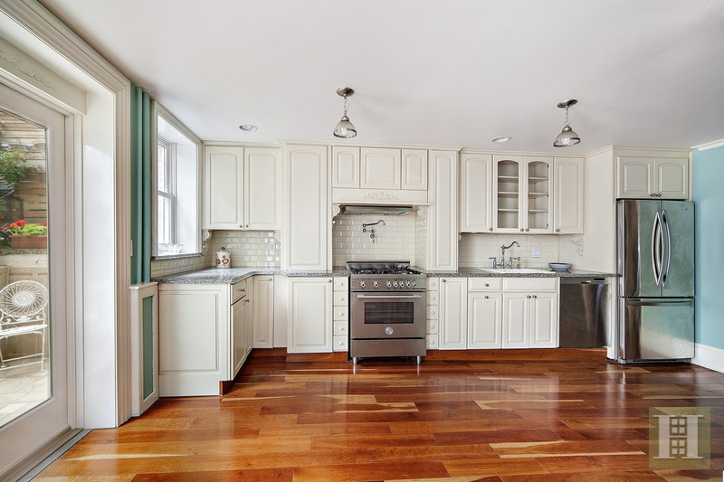 32 King Street - Charming Village Home, Soho, NYC, 10014, $6,500, Rented Property, Halstead Real Estate, Photo 3