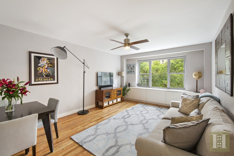 235 West 70th Street 3Hj, Upper West Side, NYC, $1,275,000, Web #: 17407654