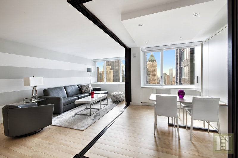 322 West 57th Street 48P, Midtown West, NYC, $6,800, Web #: 17423188