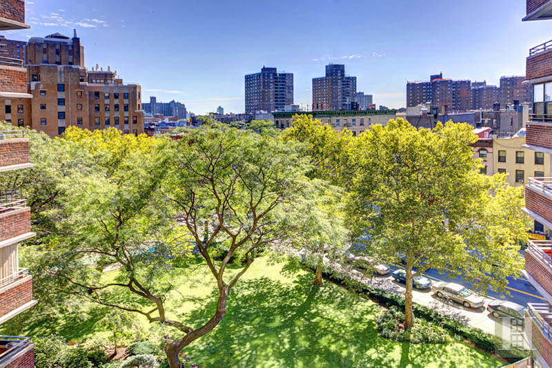 208 East Broadway, Lower East Side, NYC, 10002, $1,049,000, Sold Property, ID# 1745710, Halstead