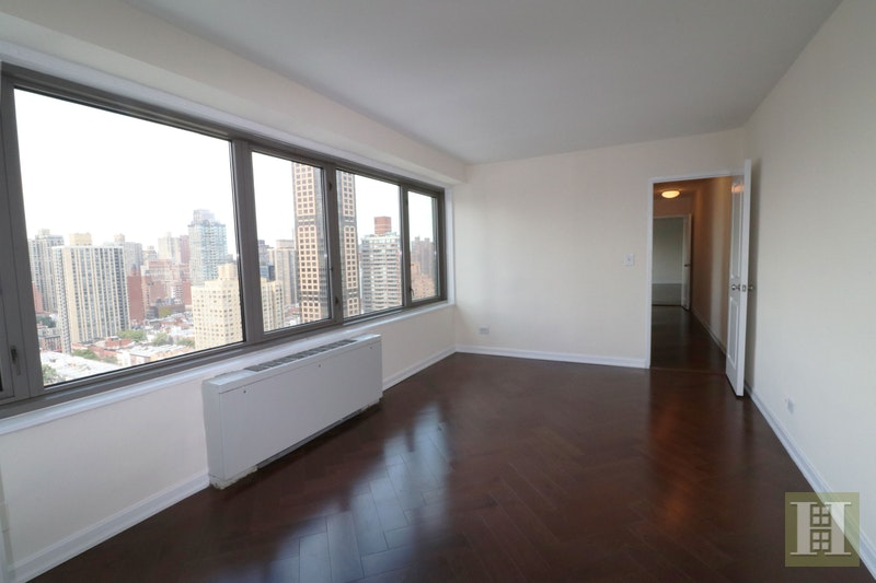 East 82nd Street, Upper East Side, NYC, $3,800, Web #: 17470966