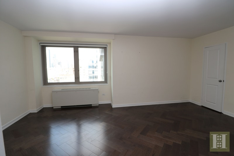 East 82nd Street, Upper East Side, NYC, $5,113, Web #: 17470986