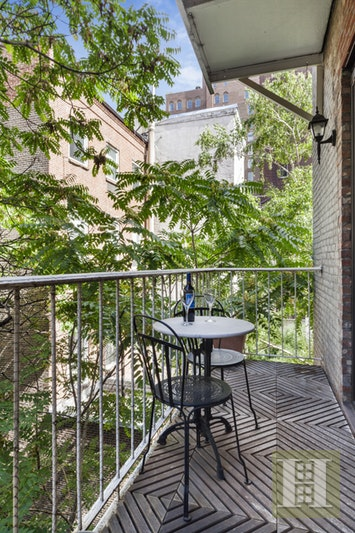105 East 19th Street, Gramercy Park, NYC, $9,000, Web #: 17471123