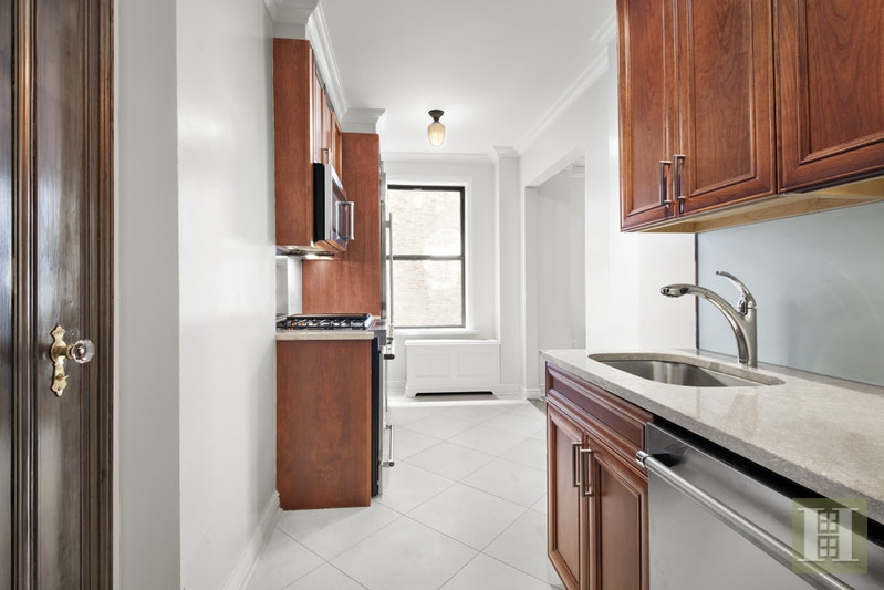 98 Riverside Drive 1e, Upper West Side, NYC, 10024, $2,200, Rented Property, Halstead Real Estate, Photo 3