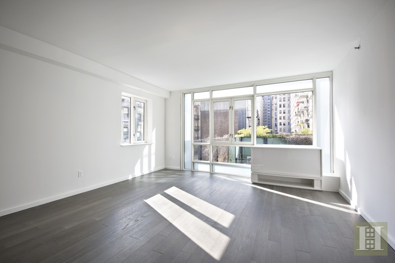 385 First Avenue 3H, Gramercy Park, NYC, $4,000, Web #: 17576215