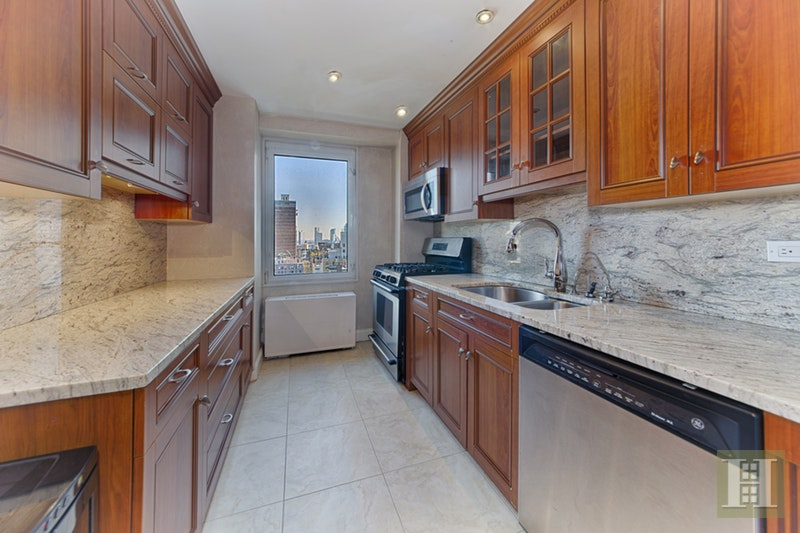 303 East 57th Street 22j, Midtown East, NYC, 10022, $695,000, Sold Property, Halstead Real Estate, Photo 3