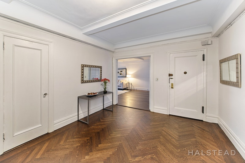 250 West 94th Street 11a, Upper West Side, NYC, 10025, $3,195,000, Sold Property, Halstead Real Estate, Photo 2