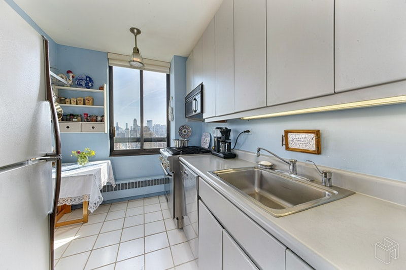 171 East 84th Street, Upper East Side, NYC, 10028, $2,150,000, Sold Property, Halstead Real Estate, Photo 3