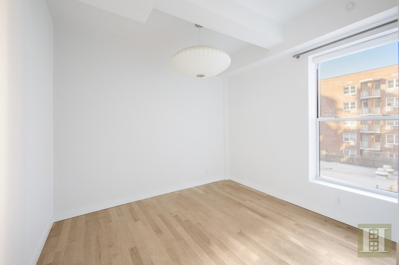 158 West 23rd Street 4, Chelsea, NYC, $8,500, Web #: 17942320