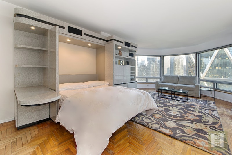 River Views & Southern Light!, Midtown West, NYC, 10019, $725,000, Sold Property, Halstead Real Estate, Photo 2