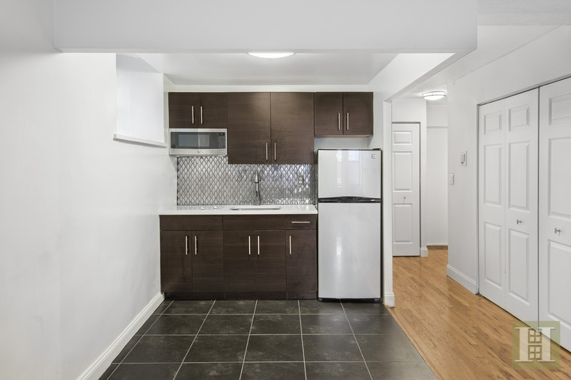 160 Bleecker Street 3kw, Greenwich Village, NYC, 10012, $2,485, Rented Property, Halstead Real Estate, Photo 3