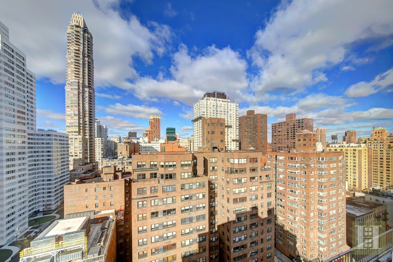 301 East 69th Street, Upper East Side, NYC, $1,055,000, Web #: 17999432