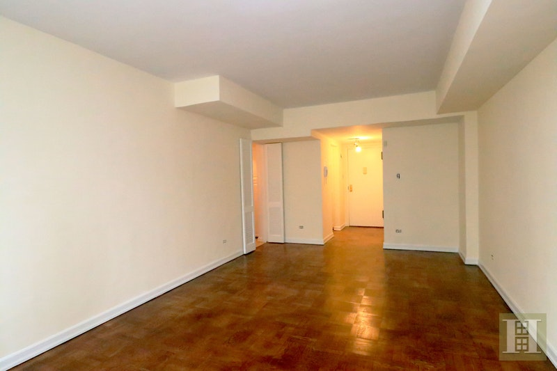 East 87th Street, Upper East Side, NYC, $2,520, Web #: 18019670