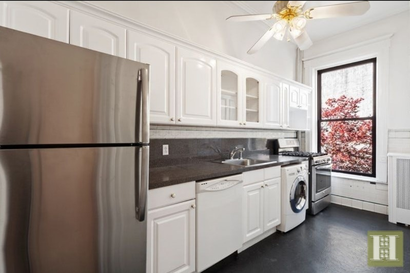 28 Eighth Avenue Apt3, Park Slope, Brooklyn, NY, 11217, $4,600, Rented Property, Halstead Real Estate, Photo 3