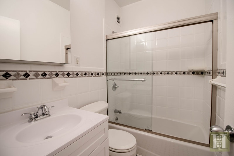 Park Avenue, Midtown East, NYC, $2,677, Web #: 18138552