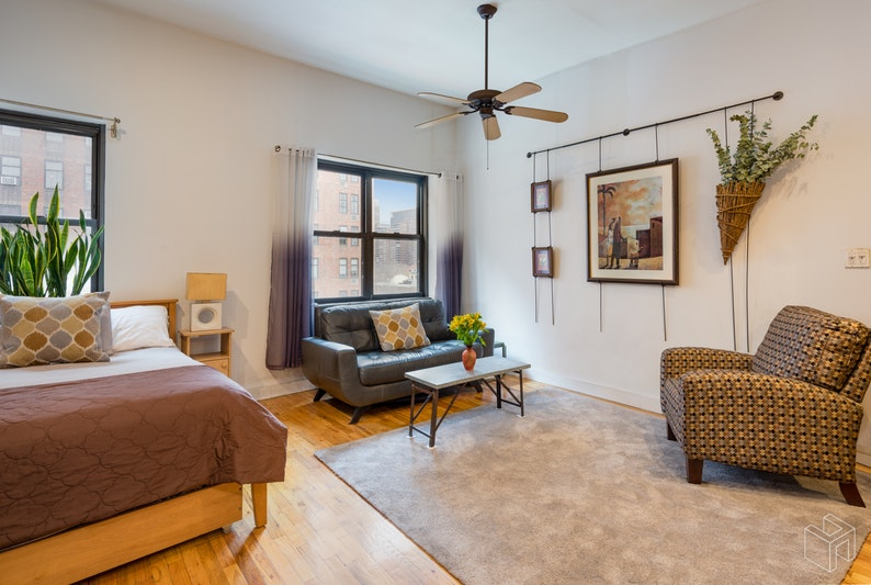 410 West 23rd Street 6f, Chelsea, NYC, 10011, $470,000, Sold Property, Halstead Real Estate, Photo 2