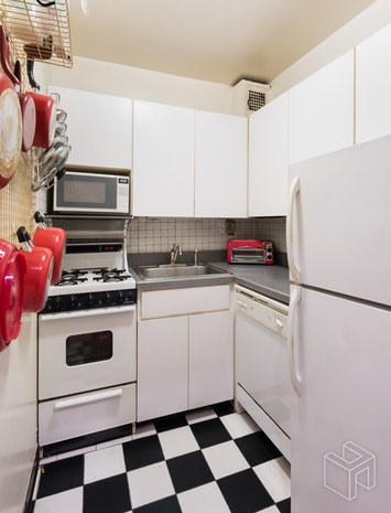 410 West 23rd Street 6f, Chelsea, NYC, 10011, $470,000, Sold Property, Halstead Real Estate, Photo 3