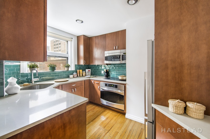 321 West 55th Street 83, Midtown West, NYC, 10019, $775,000, Sold Property, Halstead Real Estate, Photo 3