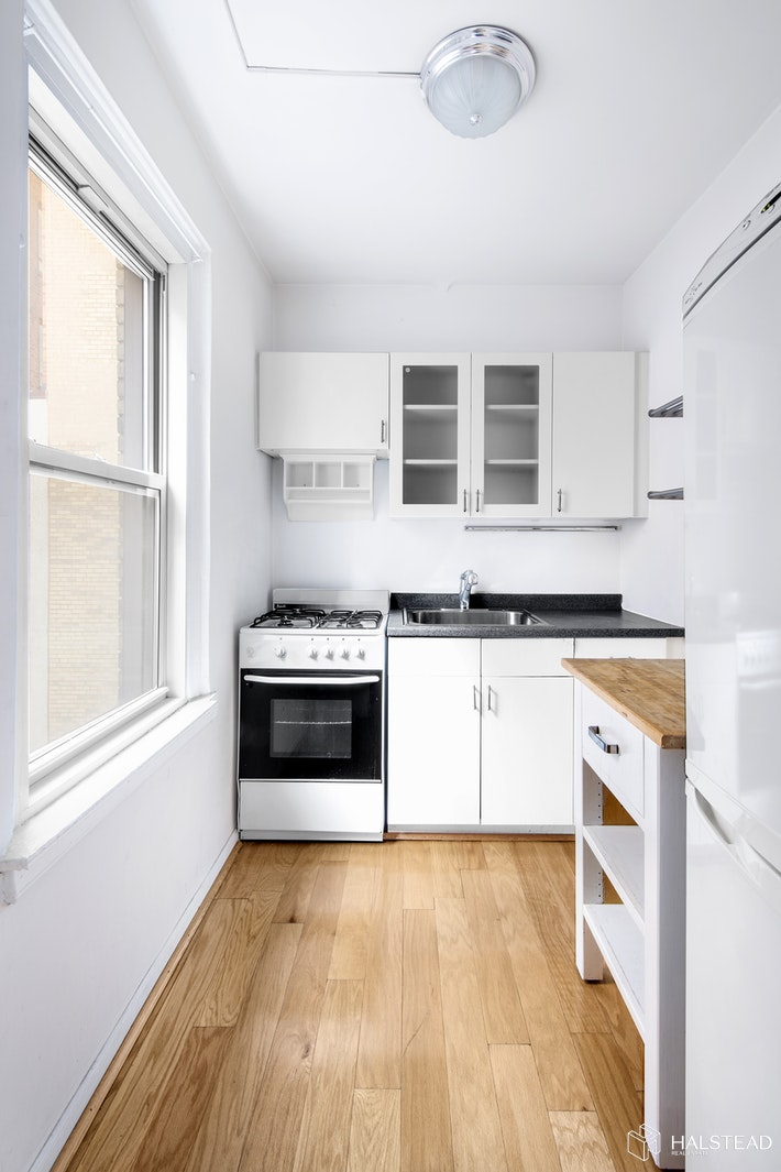 70 Remsen Street 6e, Brooklyn Heights, Brooklyn, NY, 11201, $360,000, Property For Sale, Halstead Real Estate, Photo 5
