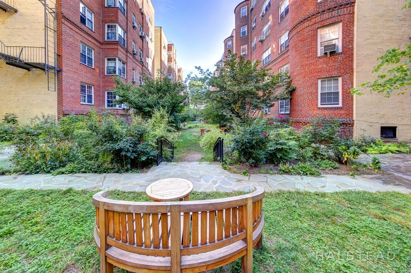 35 -24 78th Street, Jackson Heights, Queens, NY, $1,425, Web #: 18225231
