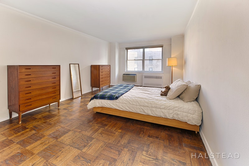 300 East 71st Street 4o, Upper East Side, NYC, 10021, $1,150,000, Sold Property, Halstead Real Estate, Photo 3