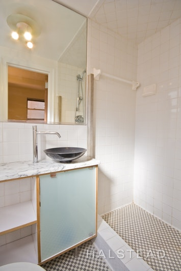 333 East 43rd Street 321, Midtown East, NYC, 10017, Price Not Disclosed, Rented Property, Halstead Real Estate, Photo 4
