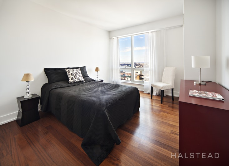 350 West 42nd Street 39B, Midtown West, NYC, $5,900, Web #: 18346049