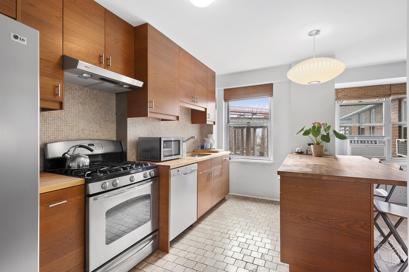 568 Grand Street, Lower East Side, NYC, 10002, $644,000, Sold Property, Halstead Real Estate, Photo 2