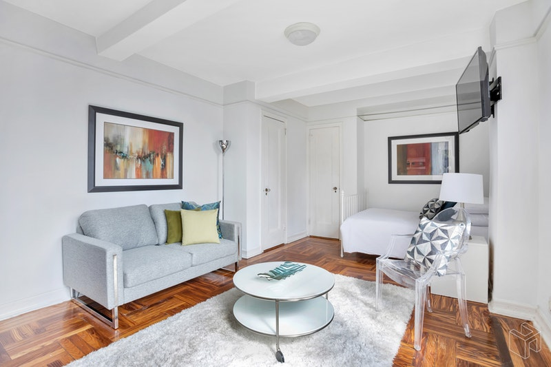 320 East 42nd Street, Midtown East, NYC, 10017, $415,000, Sold Property, Halstead Real Estate, Photo 1