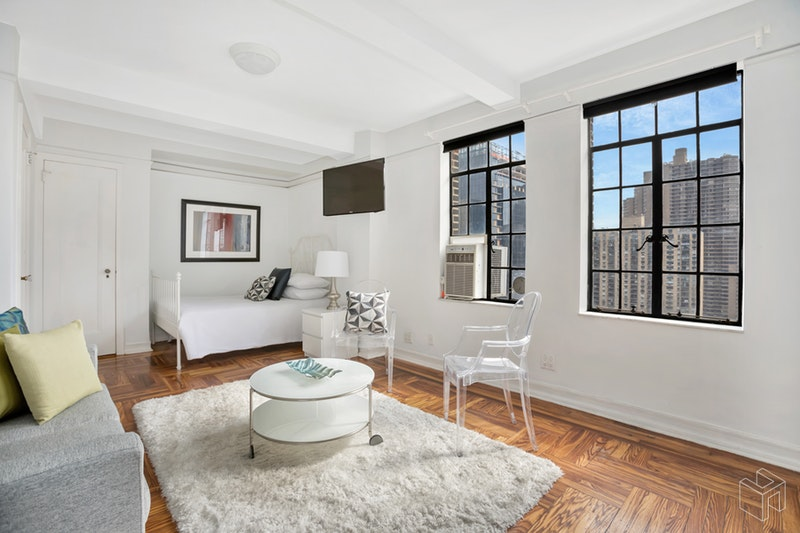 320 East 42nd Street, Midtown East, NYC, 10017, $415,000, Sold Property, Halstead Real Estate, Photo 2