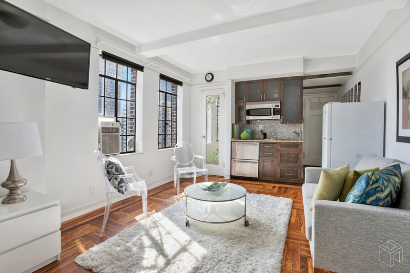 320 East 42nd Street, Midtown East, NYC, 10017, $415,000, Sold Property, Halstead Real Estate, Photo 3