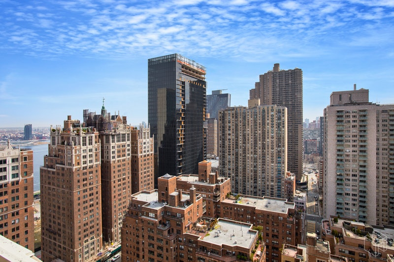 320 East 42nd Street, Midtown East, NYC, 10017, $415,000, Sold Property, Halstead Real Estate, Photo 4