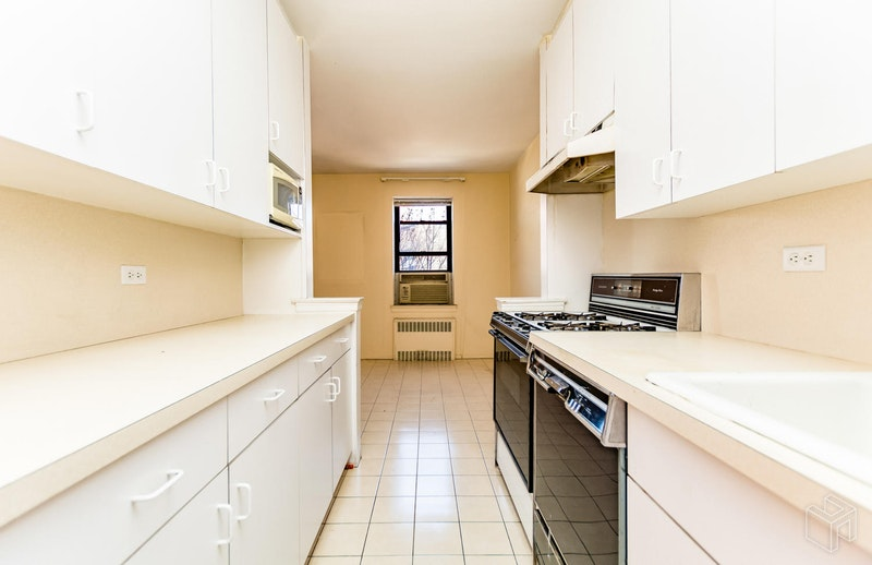 3616 Henry Hudson Pkwy E 5gn, Riverdale, New York, 10463, $449,000, Sold Property, Halstead Real Estate, Photo 4