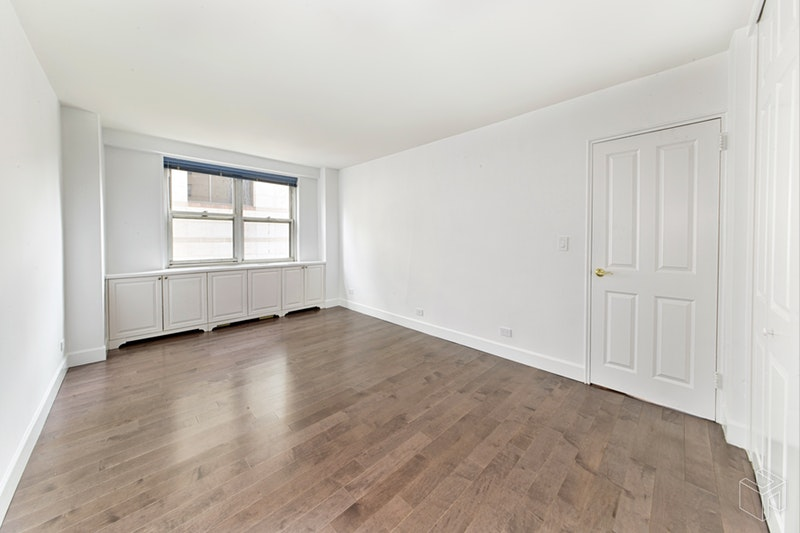 165 West 66th Street 9C, Upper West Side, NYC, $1,420,000, Web #: 18432380